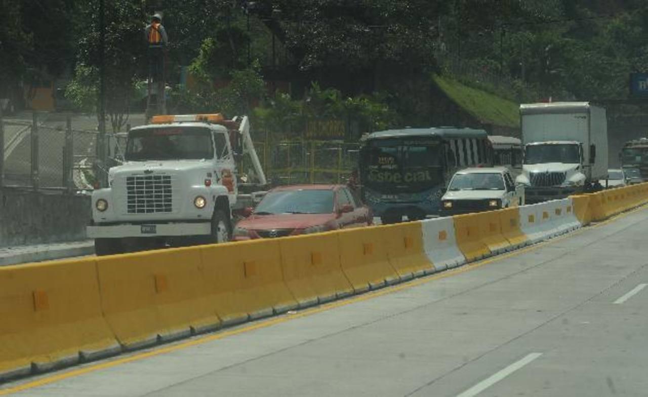 Tanto los carriles de ascenso como descenso ya están listos para transitar. Foto EDH / douglas urquilla