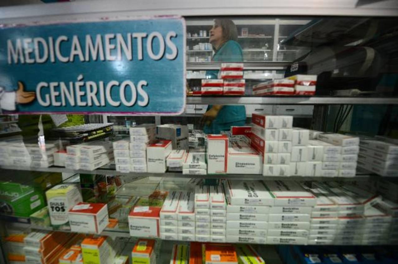 Desde hoy los productos deben tener la viñeta con el nuevo precio. Foto EDH / L. Monterrosa