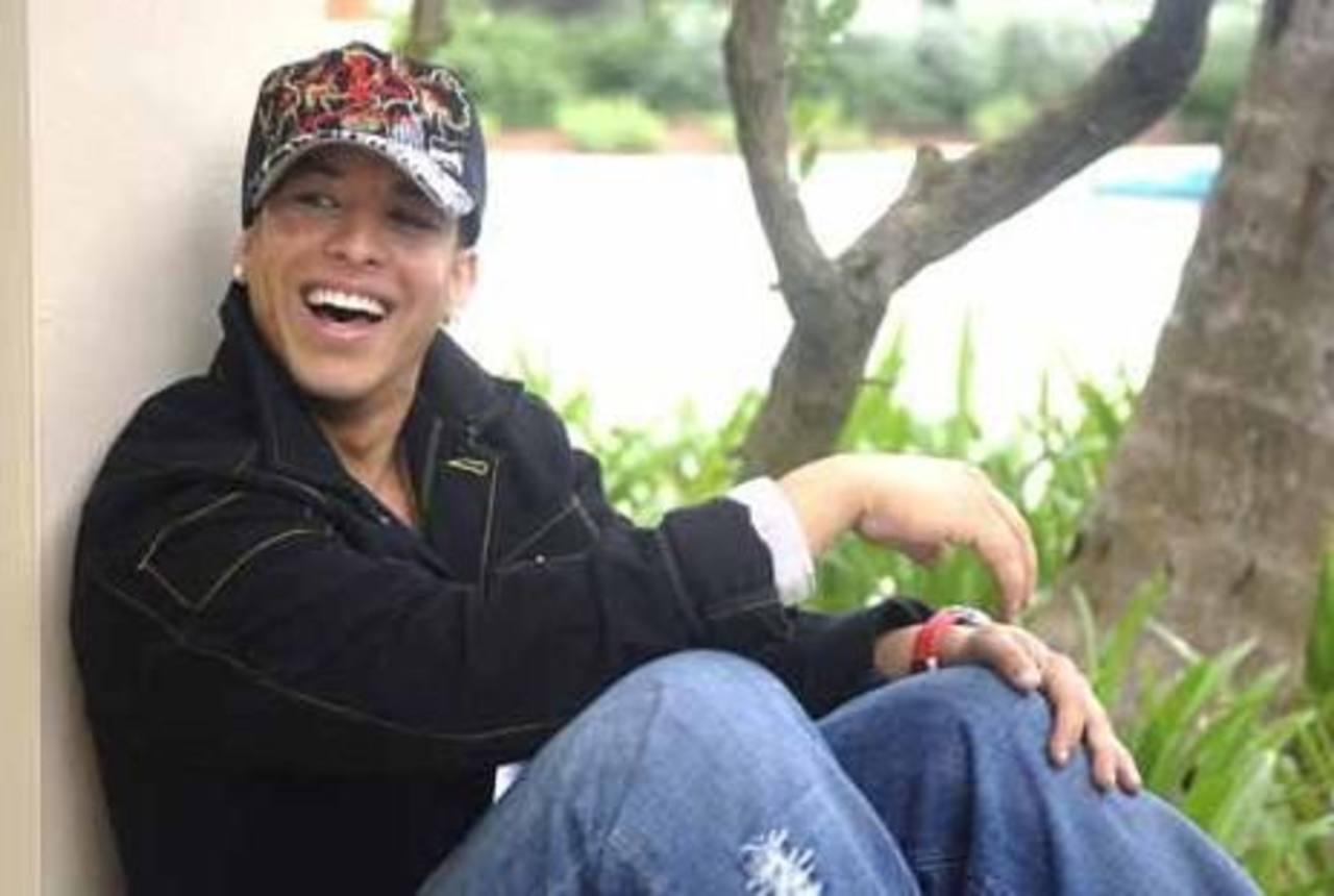 Daddy Yankee niega ser gay
