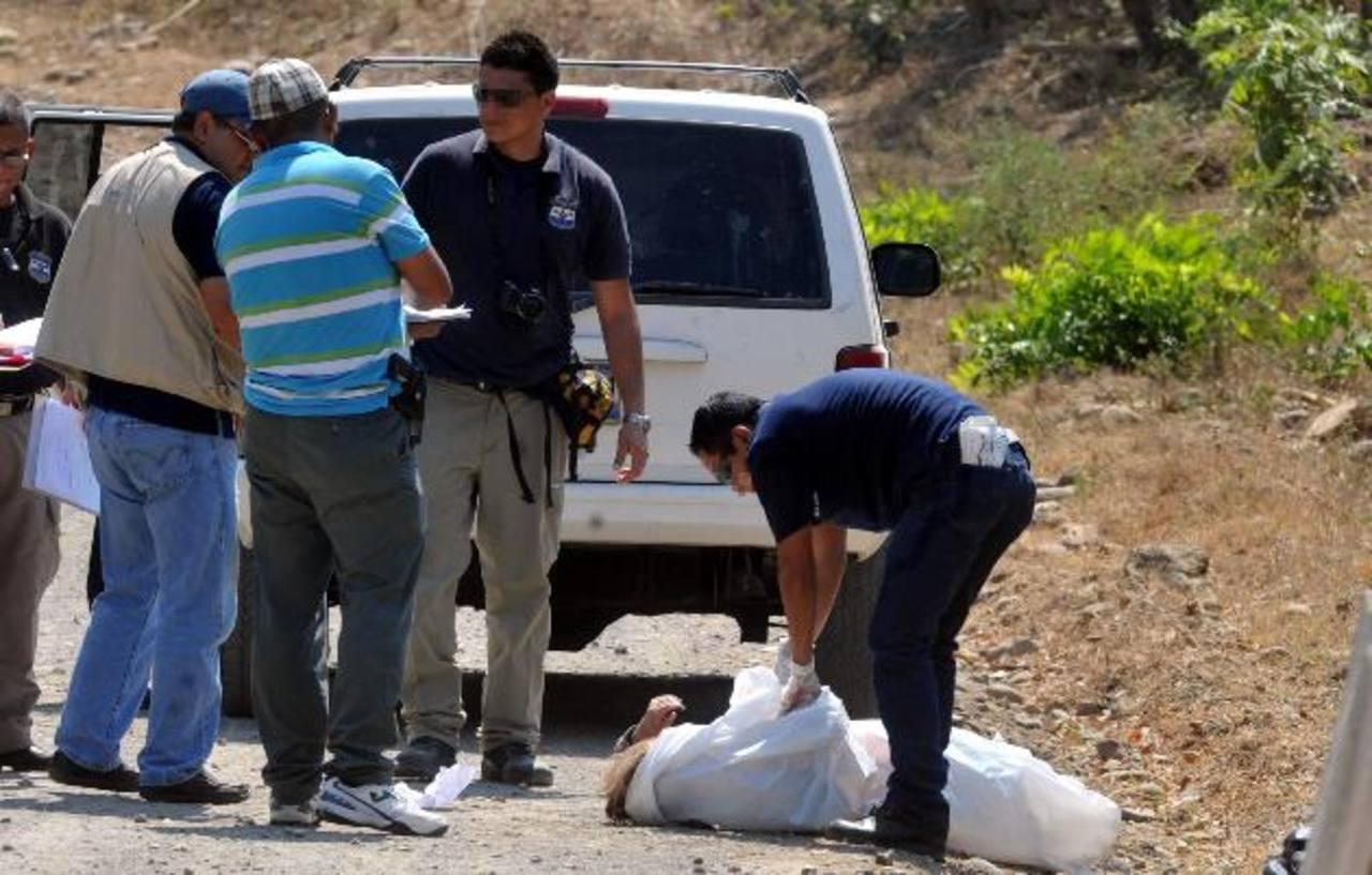 El ataque donde una mujer murió y otra sobrevivió se registró el lunes en el cantón Las Delicias de Olocuilta, La Paz. foto eDH