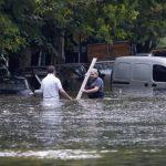 Cientos de personas aún permanecía este miércoles en refugios tras ser afectadas por las lluvias. Foto/ Reuters