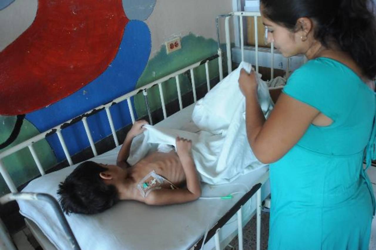 Waldemar necesita de un trasplante de intestino delgado. Foto EDH / lissette Monterrosa