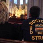 Ciudadanos en Boston rindieron plegarias por las víctimas del ataque con bombas. Foto/ AP