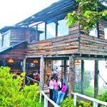 Restaurante Keltepet, en Juayúa. Con un amplio menú y un ambiente fresco.