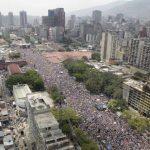 Un mar de gente inundó ayer las principales calles de Caracas, en apoyo de Henrique Capriles. Foto EDH /ap