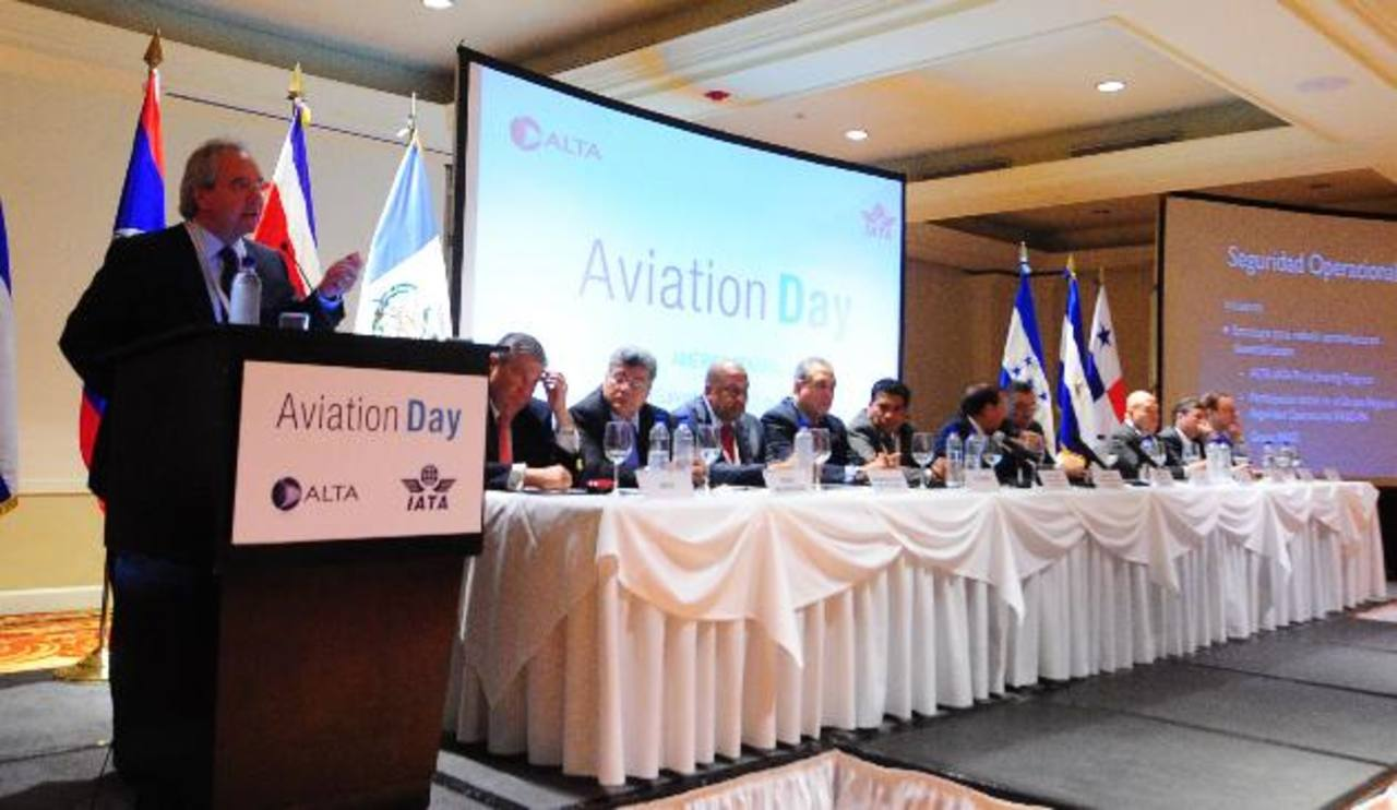 Roberto Kriete, presidente de ALTA y de Avianca-Taca, expuso los desafíos de la industria de aviación. fotos edh / lissette lemus