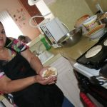 Salvadoreña vende pupusas en Facebook, Estados Unidos