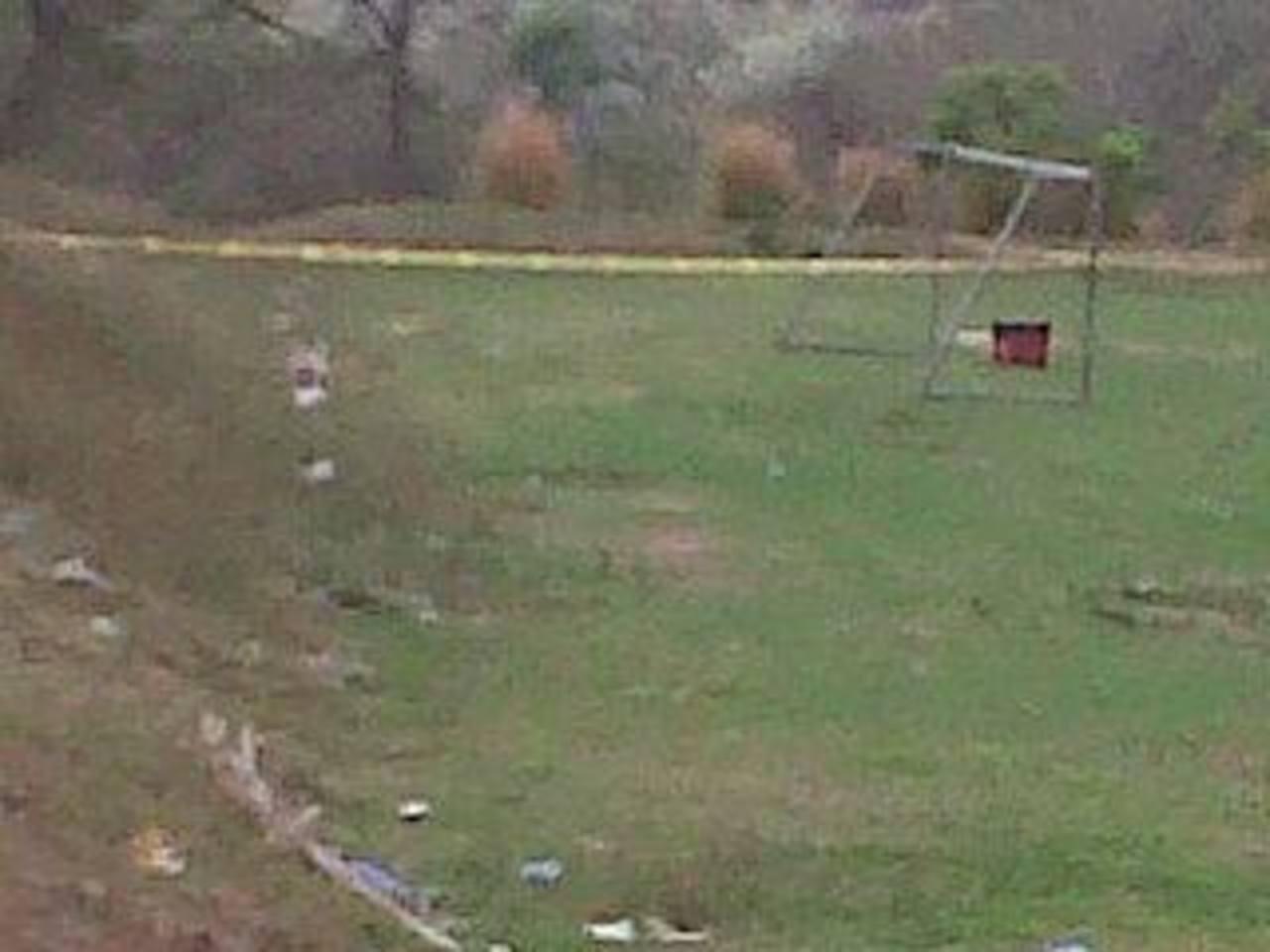 Los cadáveres de dos jóvenes fueron localizados en una chancha de Olocuilta, La Paz. Foto vía Twitter Lilibeth Sánchez