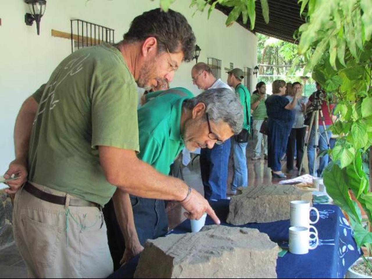 Las piezas encontradas en la finca San Antonio de Chalchuapa datan de hace más de dos mil años. Foto EDH / Mauricio Guevara