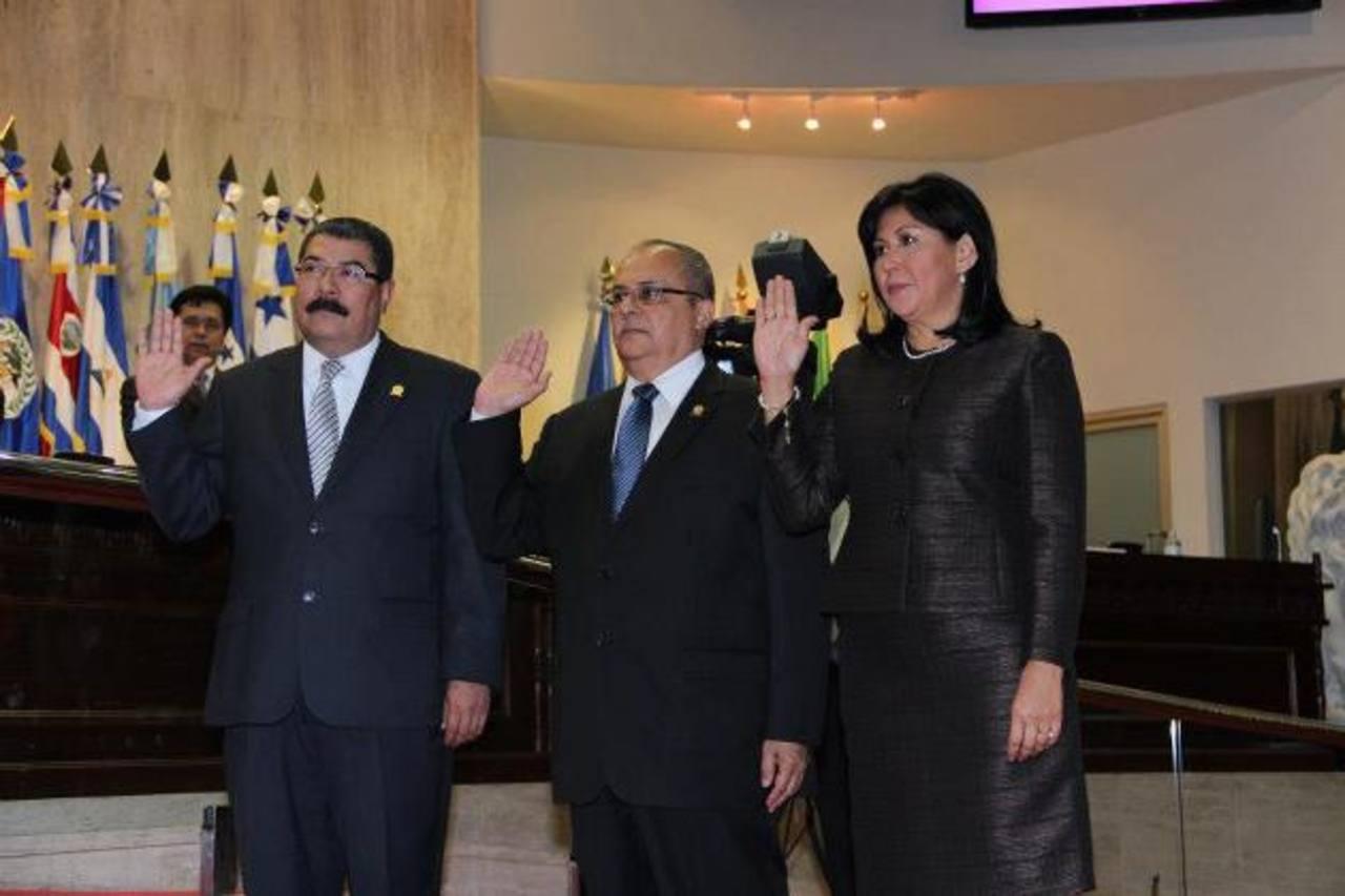 De izquierda a derecha Javier Bernal, Gregorio Sánchez Trejo y Silvia Aguilar, el pasado 20 de marzo en la Asamblea.