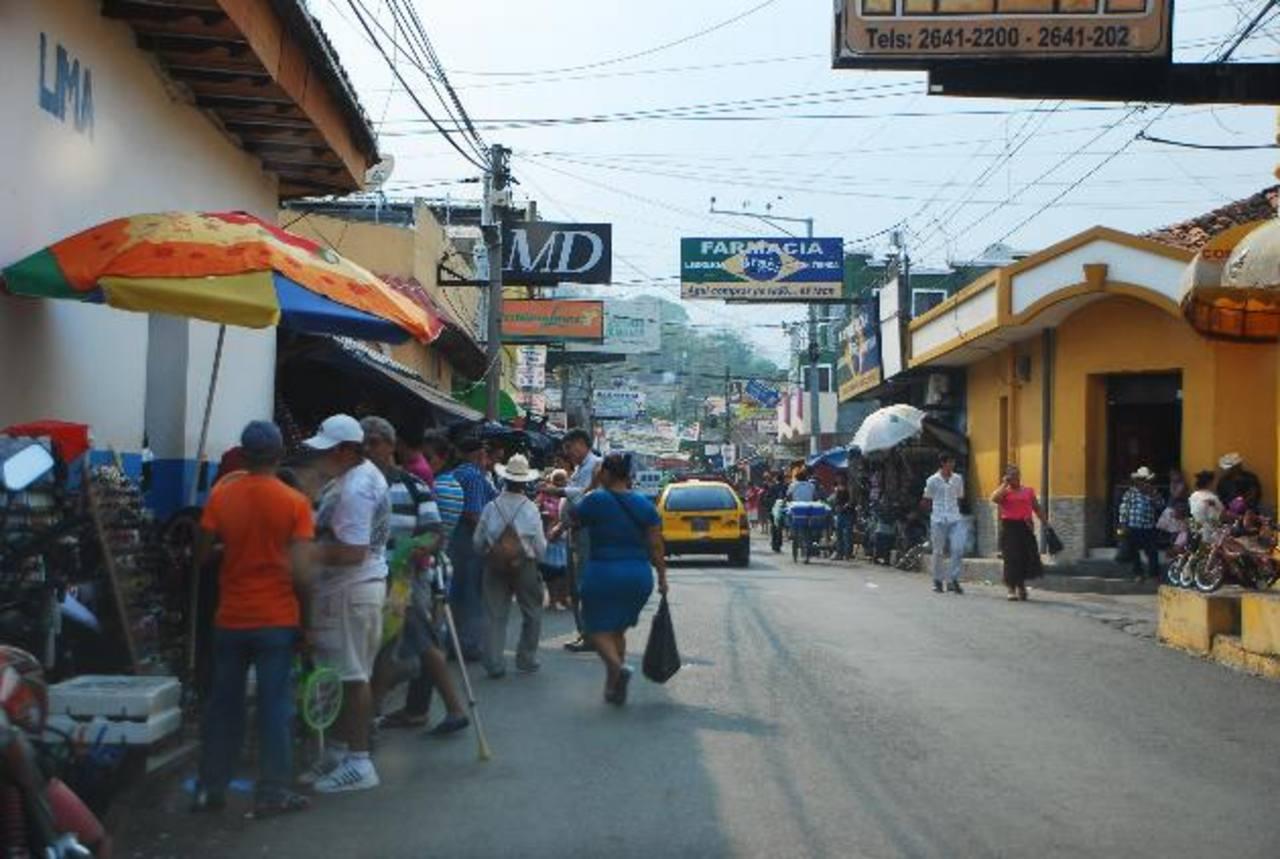 Santa Rosa de Lima es una de las ciudades más desordenadas de la zona oriental del país. Foto EDH / Francisco Torres