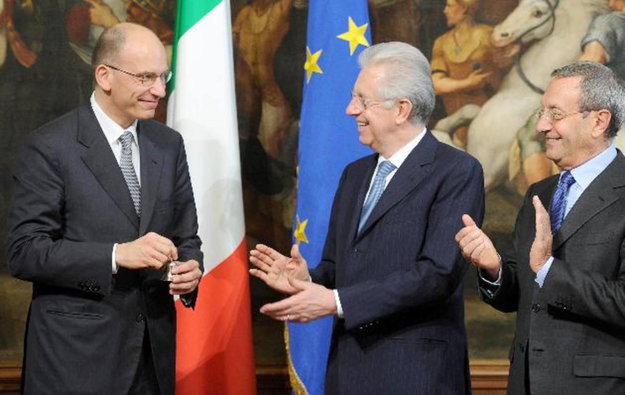 El Primer ministro italiano, Enrico Letta, (izquierda) tomó posesión de su cargo ayer. foto edh / EFE.