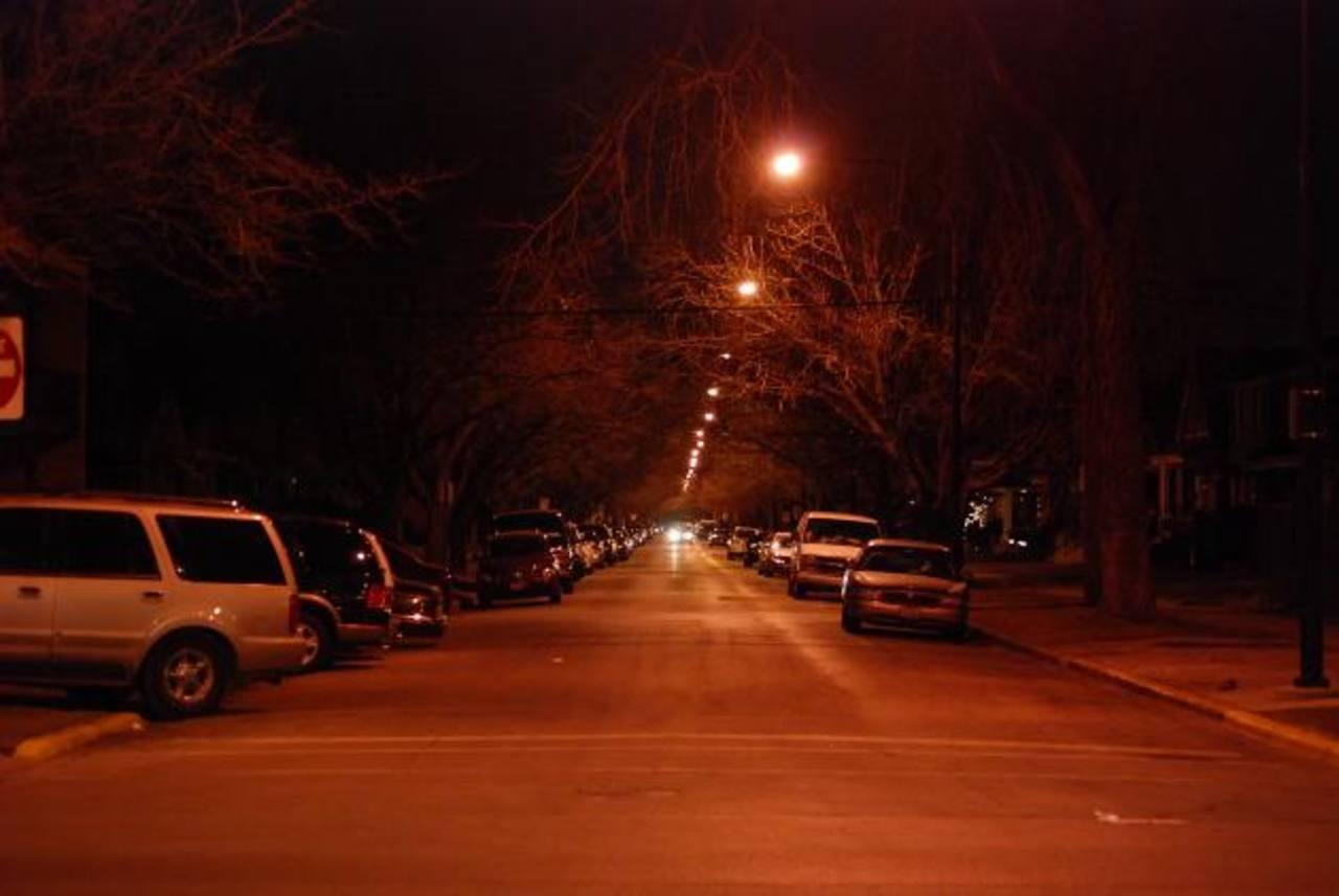 Las carreteras y los municipios del país migrarán poco a poco hacia la iluminación de alta tecnología, según un acuerdo del gobierno salvadoreño con una firma de EE. UU. Foto EDH / archivo