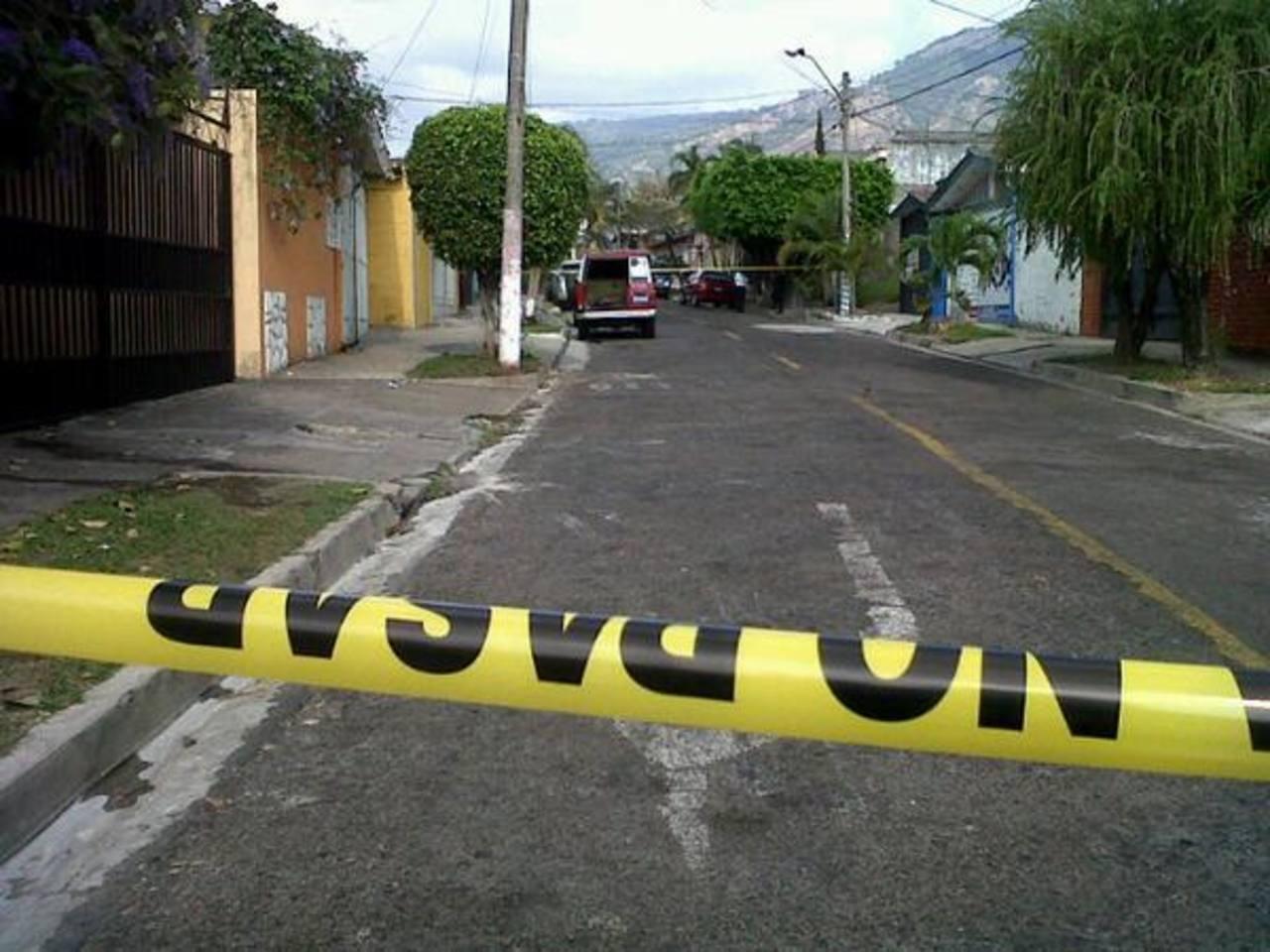 Un hombre fue lesionado de bala esta mañana en la colonia Satélite, San Salvador. Foto vía Twitter jaime Anaya