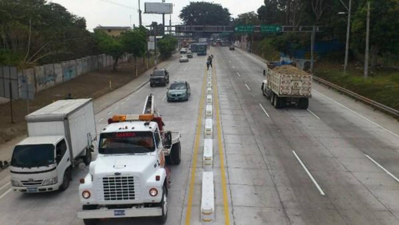 La vía Los Chorros quedó habilitada al tráfico desde esta mañana. Foto vía Twitter Mauricio CASTRO