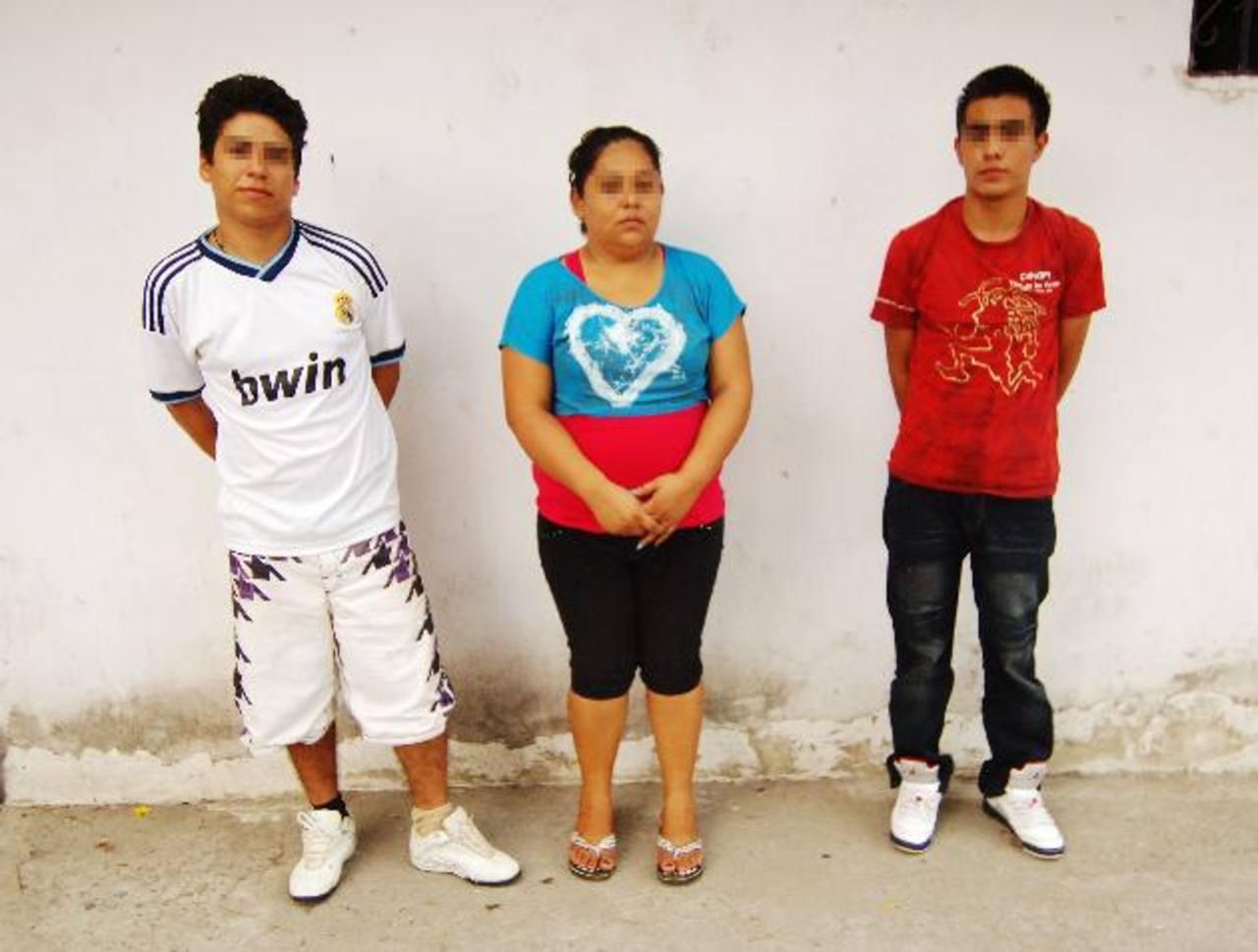 José Alfredo Valencia, Rosaura García y José Valladares; este último ha aceptado ser el protagonista del video pornográfico junto a su novia, una menor de edad. Foto EDH / Marlon Hernández