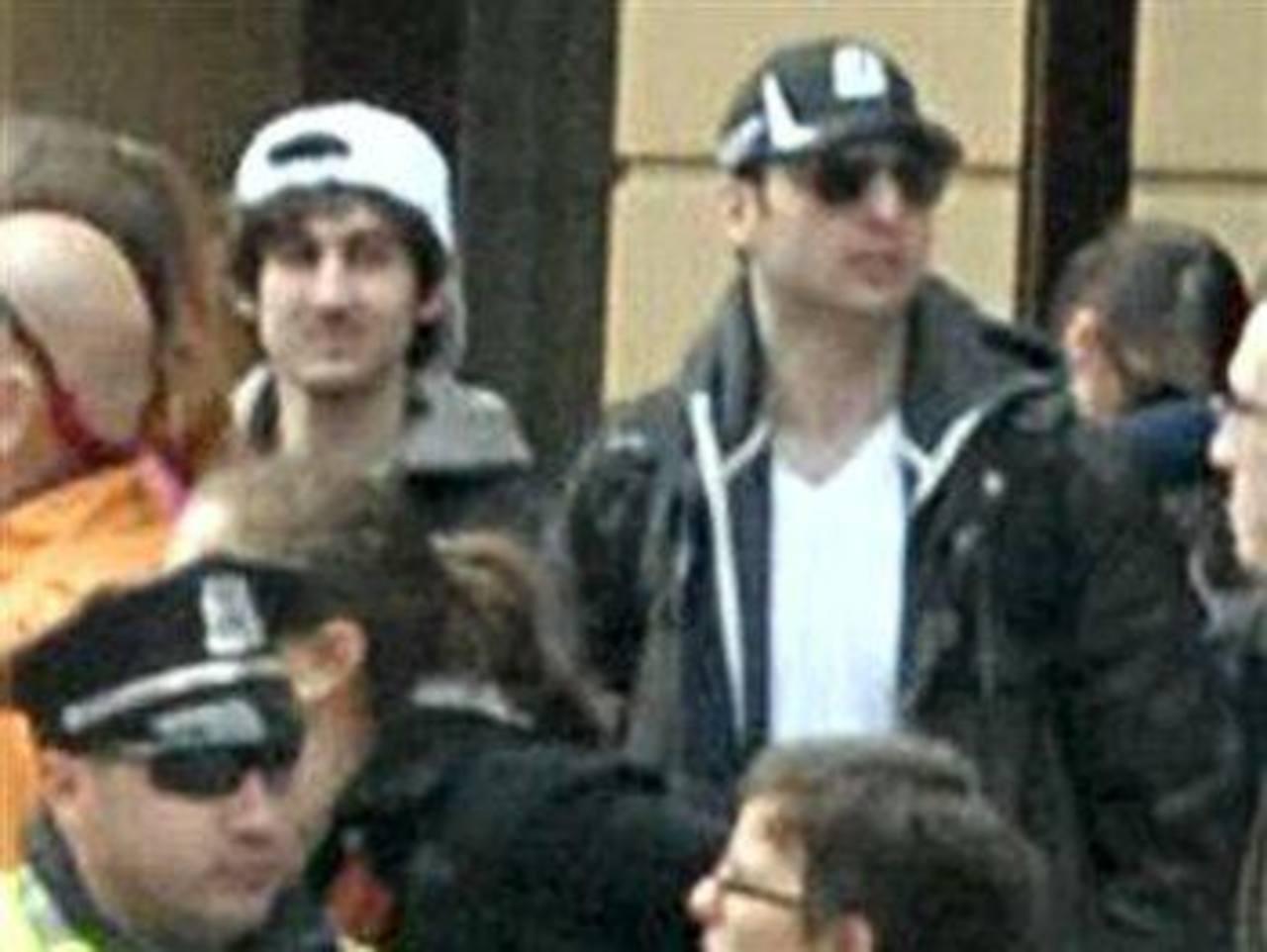 La Policía de Boston presentó una foto tomada poco antes de que se iniciara el operativo de busca. FOTO EDH