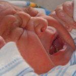 Vinculan los cólicos con las migrañas en los niños