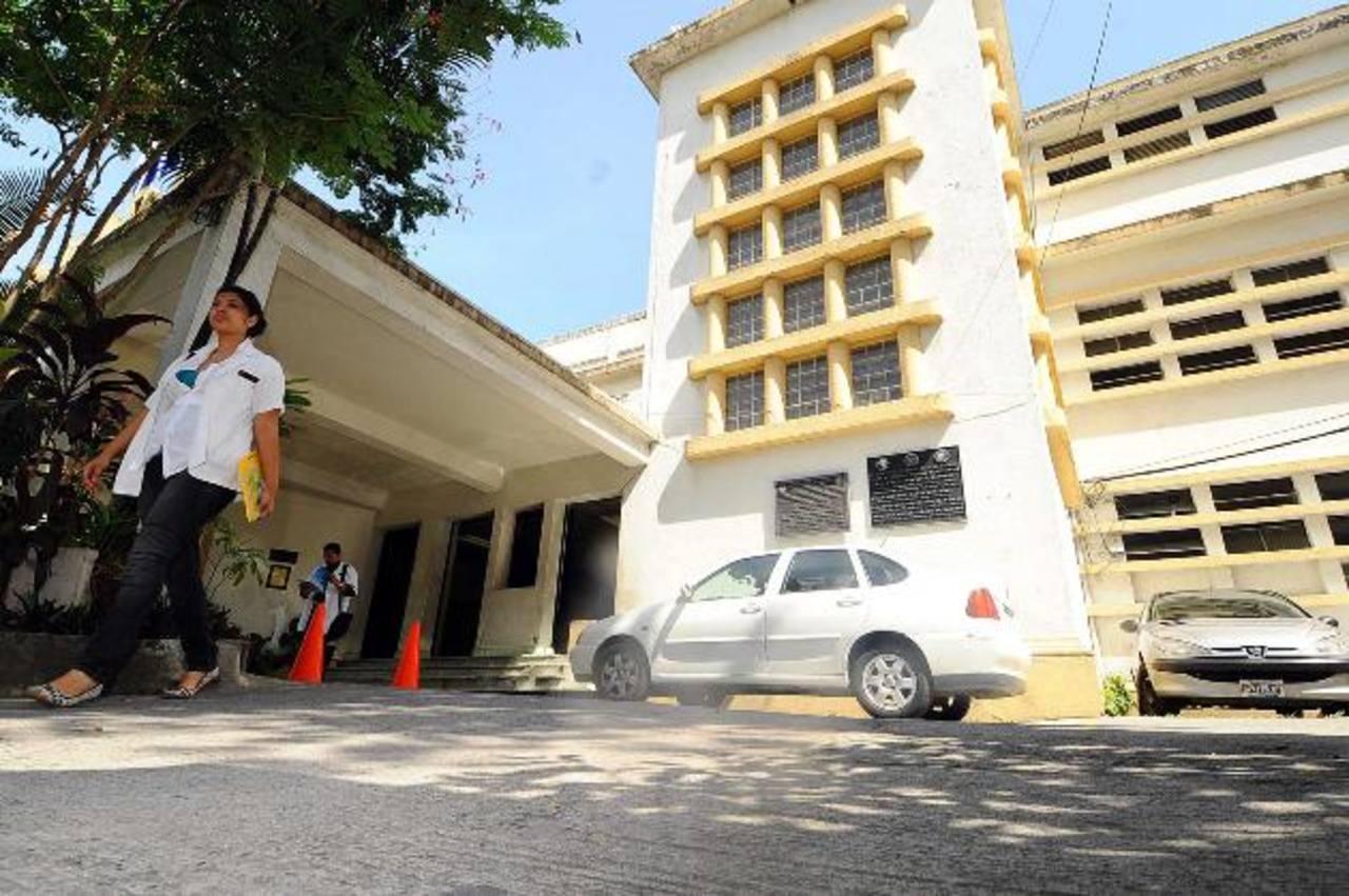 La paciente lleva su control en el hospital nacional de Maternidad, ahí le hicieron el diagnostico del bebé con anencefalia. foto EDH / archivo