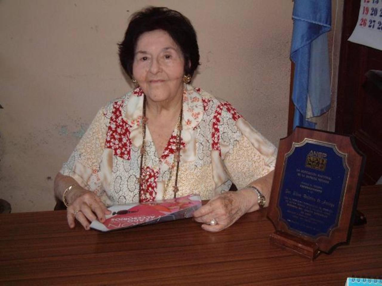 Entre los cargos que ocupó también estuvo el de alcaldesa interina, dijo un familiar de doña Elena. Foto EDH / archivo