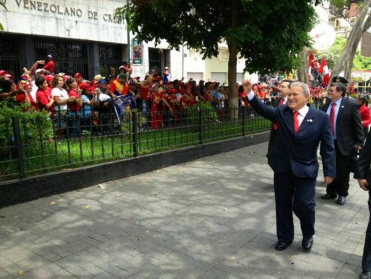 El vicepresidente salvadoreño Salvador Sánchez Cerén ingresando a la Asamblea Nacional, al acto de toma de posesión de Nicolás Maduro. foto edh