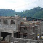Algunos proyectos se entrampan por los permisos de medio ambiente. Foto EDH / Archivo