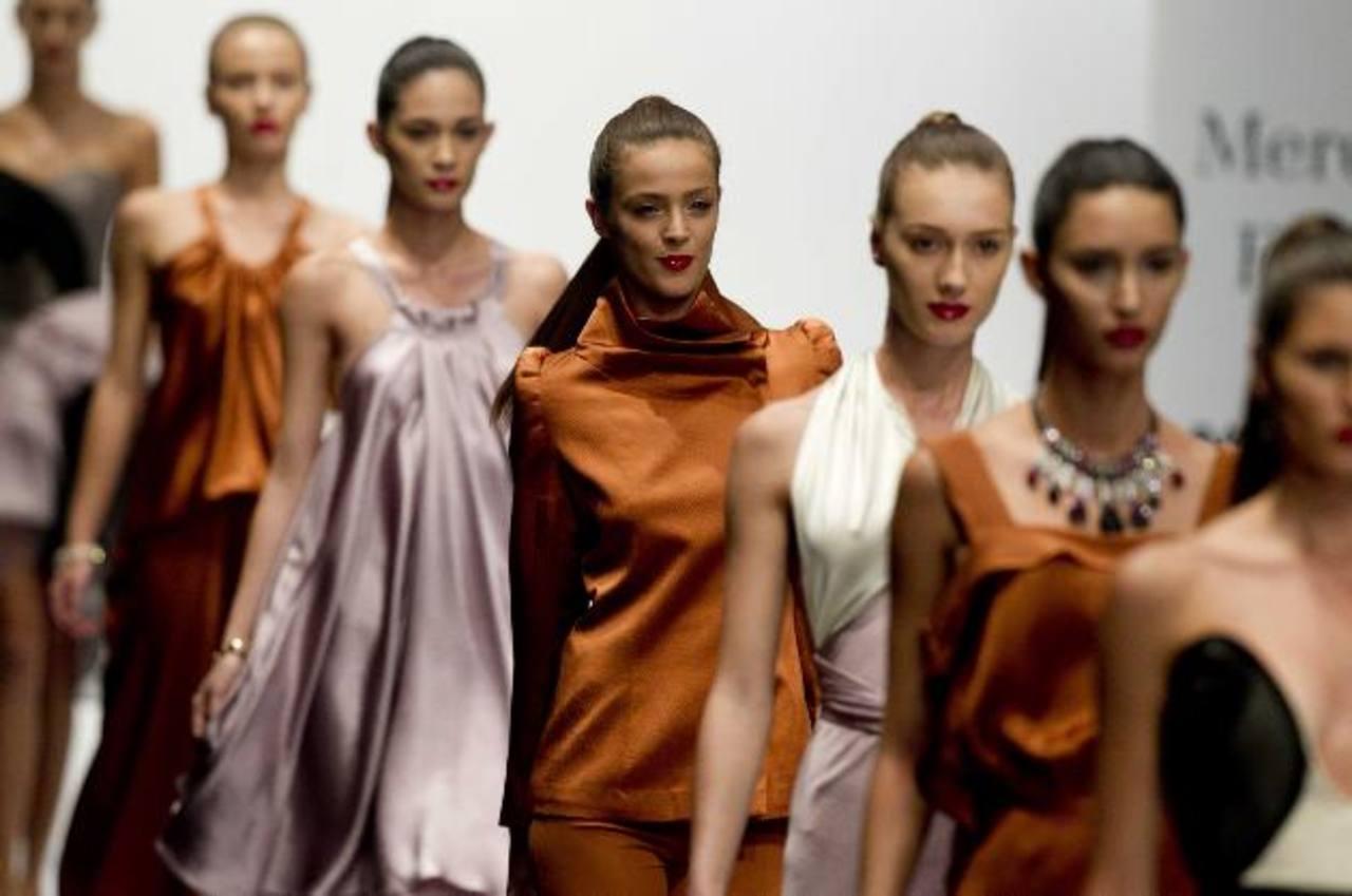 La elegancia y la seducción en la pasarela la impuso el diseñador Alejandro Carlín.De Macario Jiménez.