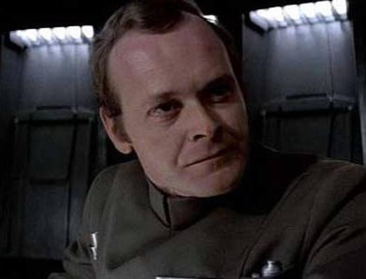 """El actor Richard LeParmentier, más conocido como el comandante de """"La guerra de las galaxias"""" murió a los 66 años. Foto/ Archivo"""