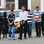 A estos cuatro colombianos los acusarán de lavado de dinero por no justificar el origen del mismo. Foto EDH / Marlon Hernández