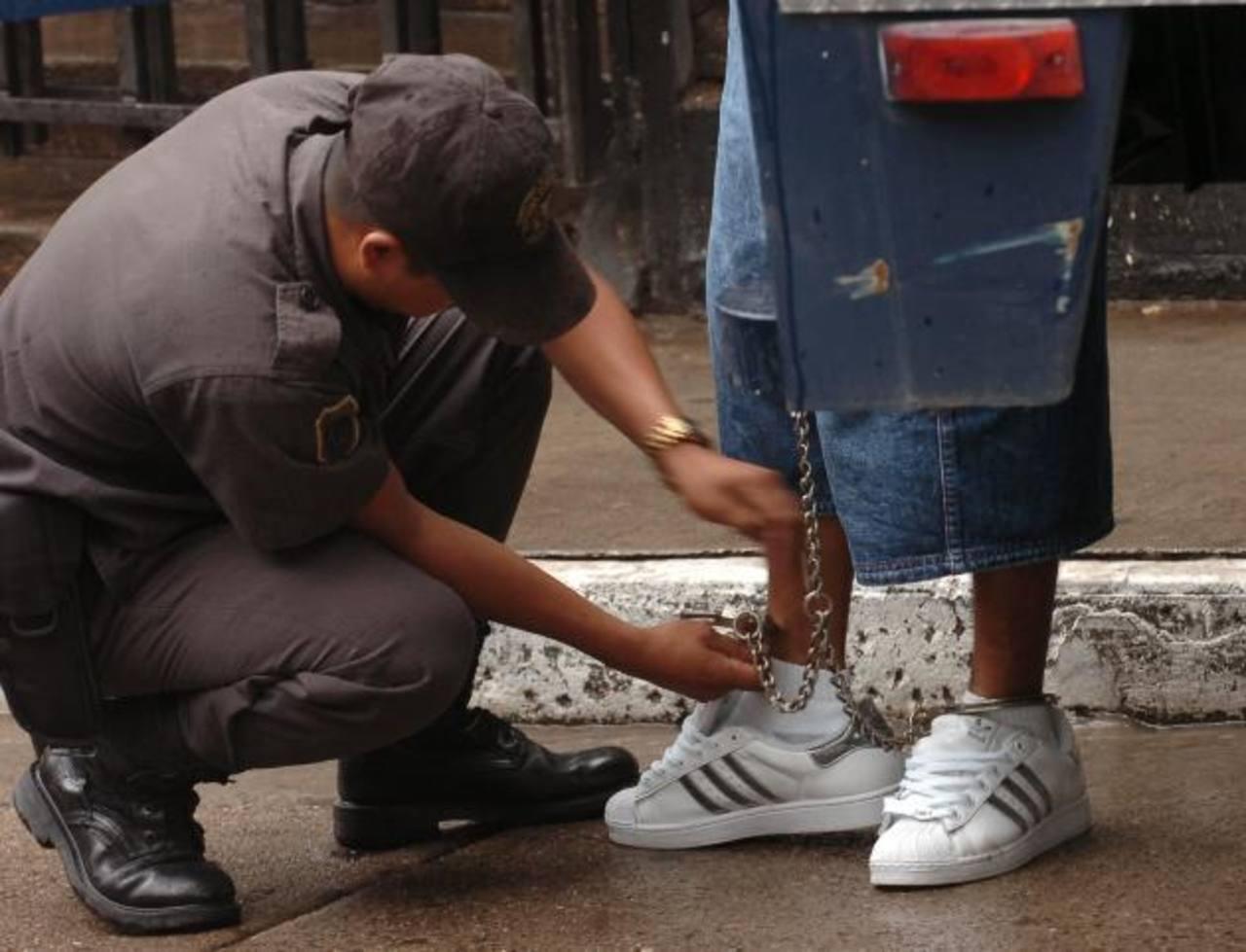 La PNC de Guatemala confronta a los pandilleros a diario. FOTO EDH Archivo.
