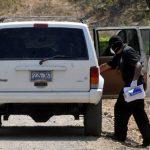 Auto en el que las dos turistas viajaban hacia el aeropuerto de Comalapa. Solo una retornaría el lunes a EE.UU. Foto EDH / Archivo