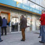 La economía de la isla se hundiría en la recesión con el rescate de la troika. foto edh/reuters