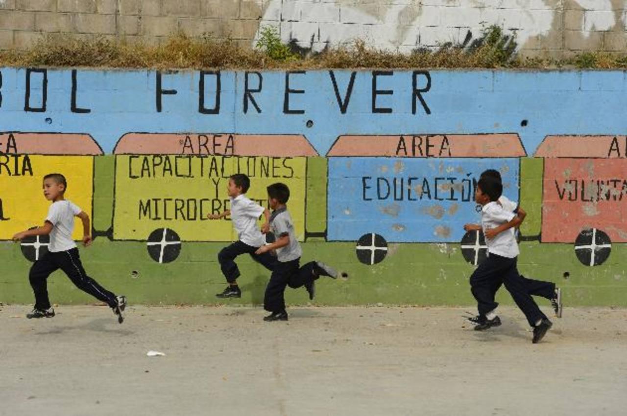 La Fundación beneficia a centenares de niños y niñas con programas educativos integrales, pero hoy pretende que estos niños puedan acceder a la universidad. Fotos EDH / Marvin Recinos