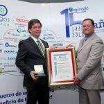 Guillermo Schaeuffler, de Salvaplastic, y Ricardo Morán, de Asiplastic. Foto EDH / cortesía