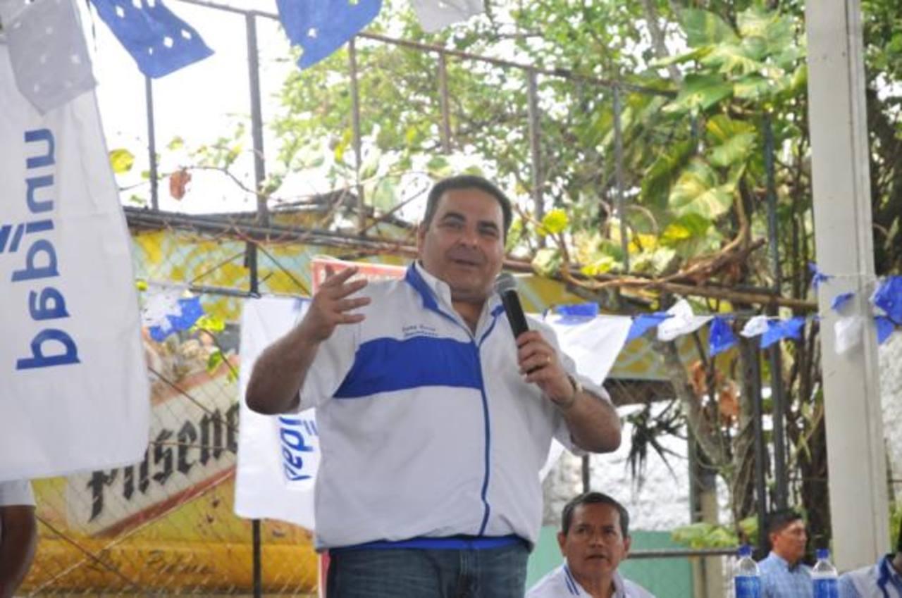 El aspirante presidencial reiteró que en tres meses elegirá a su compañero de fórmula. foto edh / cortesía