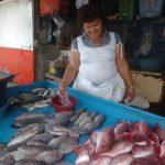 Vendedoras de mariscos en la Tiendona