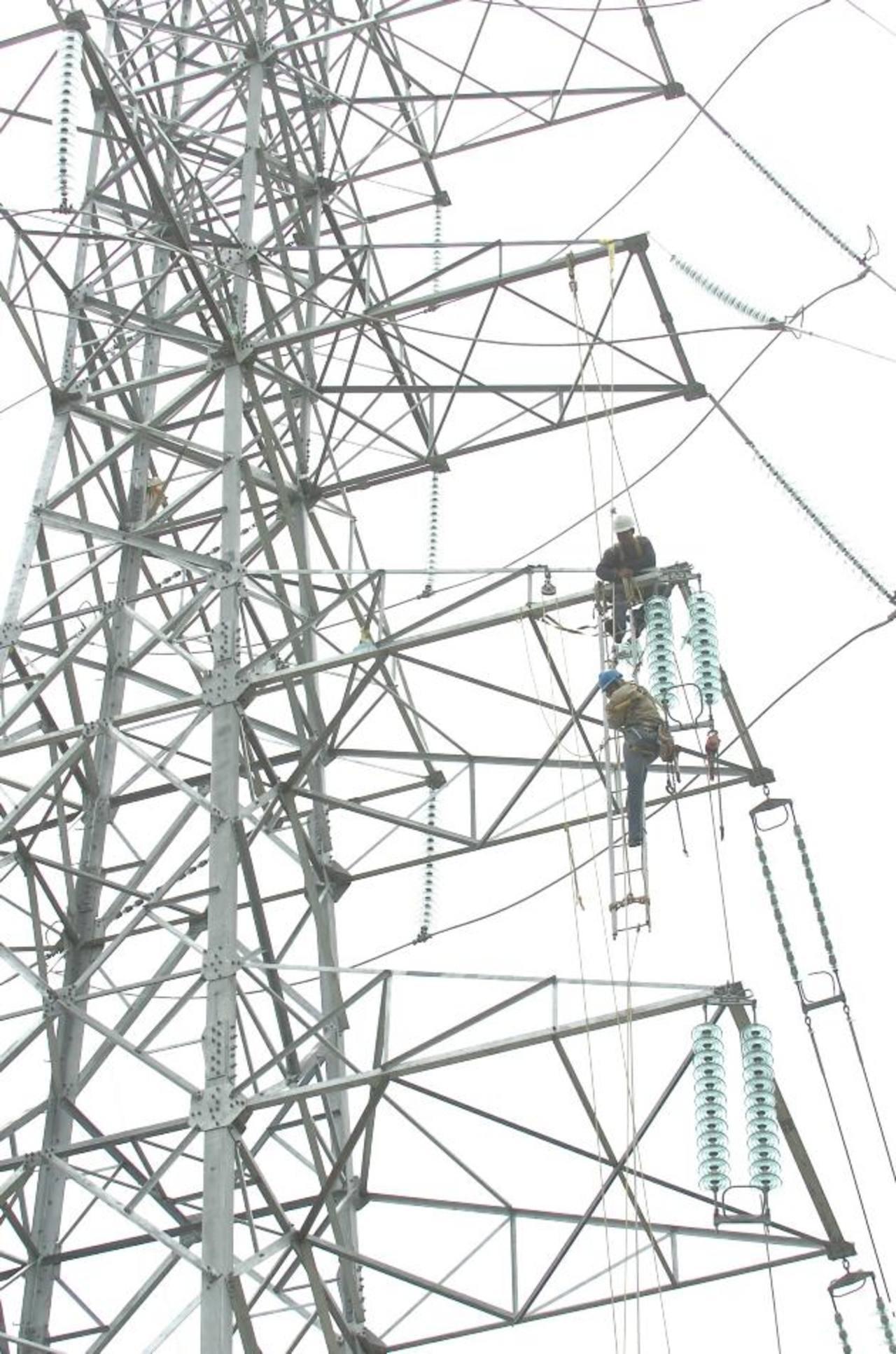 La generación de energía en Centroamérica ha pasado a ser termal en un 47 % y 41 % hidroeléctrica, desde 2008.