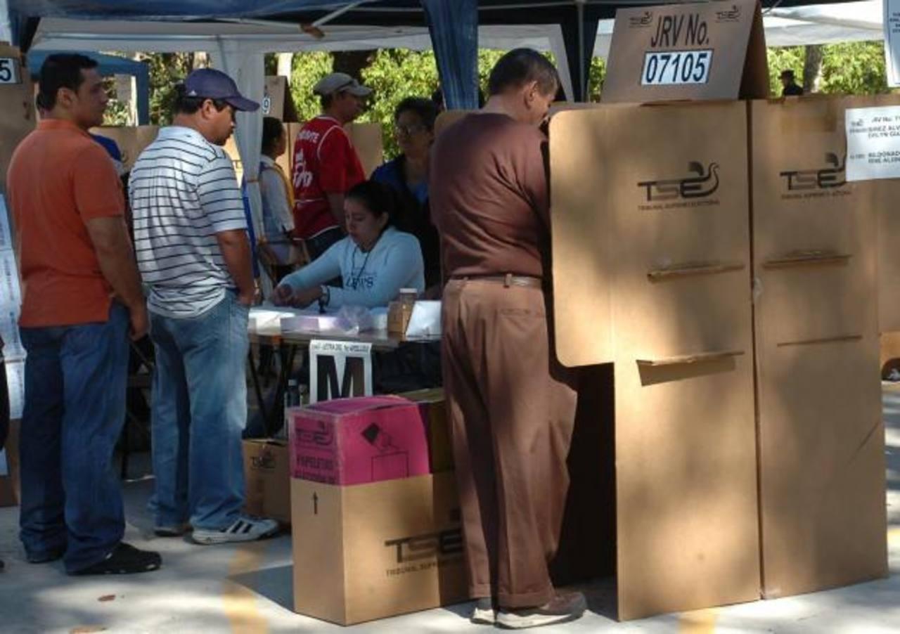 Encuesta de la UCA prevé segunda vuelta para elegir al Presidente