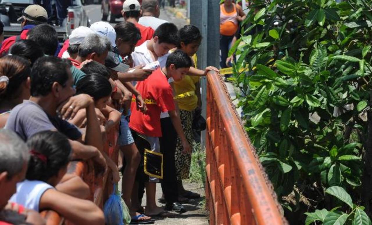 En los primeros 10 días de mayo, según la PNC el promedio subió a ocho asesinatos por día. FOTO EDH / Claudia Castillo.