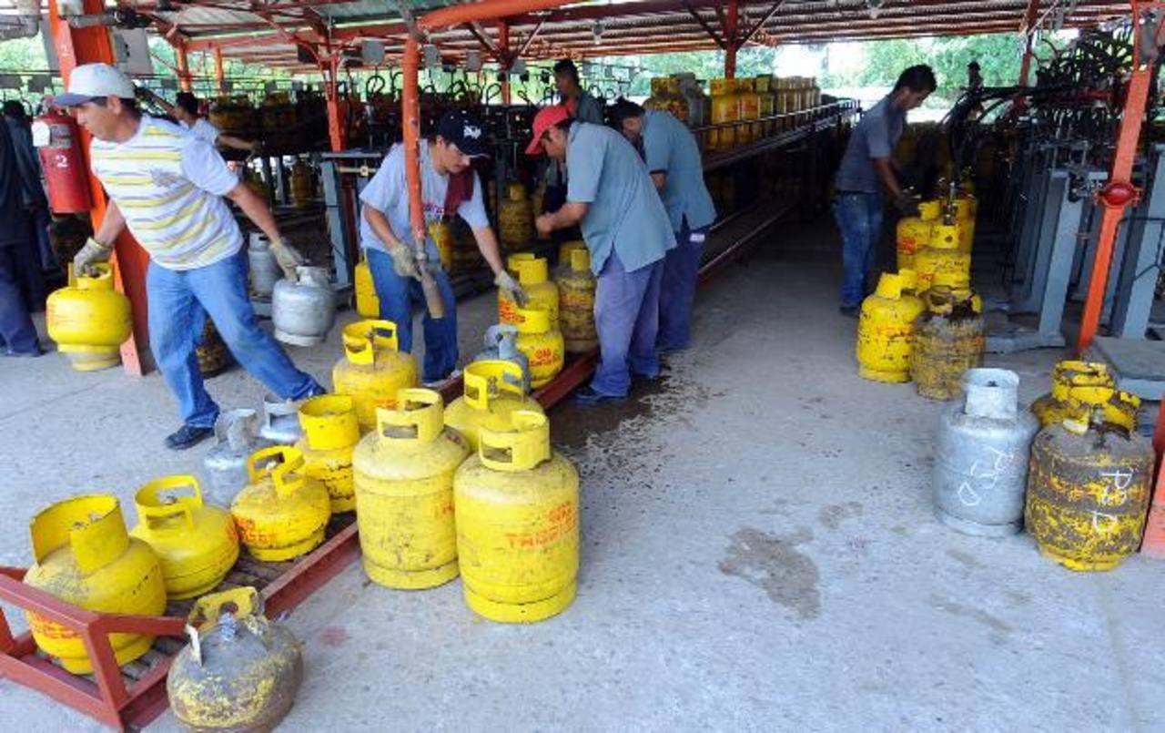 El subsidio al gas se mantiene en $9.10. Foto edh /archivo