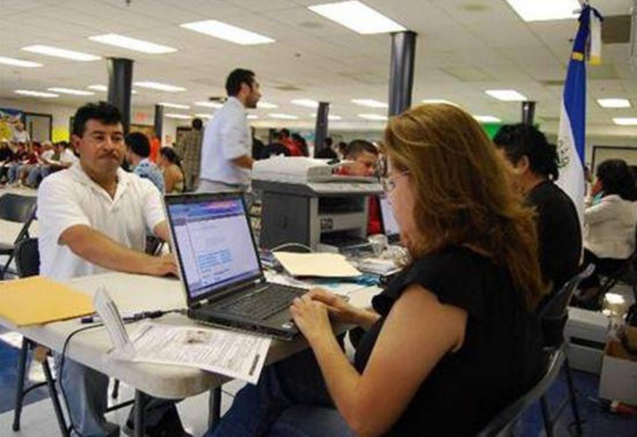 EE.UU. extiende 18 meses el TPS para los salvadoreños