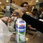 La necesidad de resolver la falta de alimentos, que se refleja en la escasez de 21.3% registrada por el Banco Central de Venezuela, obliga al Gobierno a buscar soluciones de corto plazo. foto edh / archivo