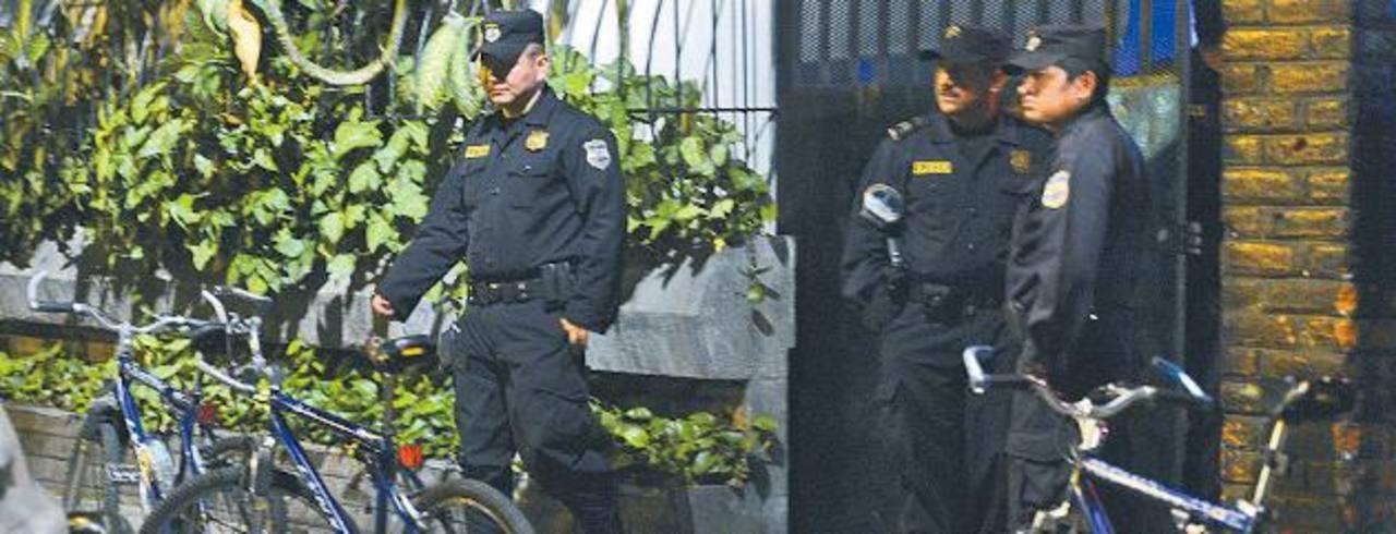 La víctima fue ultimada con arma de fuego en la entrada del restaurante el pasado viernes. Foto EDH / Archivo