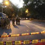 La caravana regresaba de un mitin cuando rebeldes detonaron una mina y dispararon. foto edh / efe
