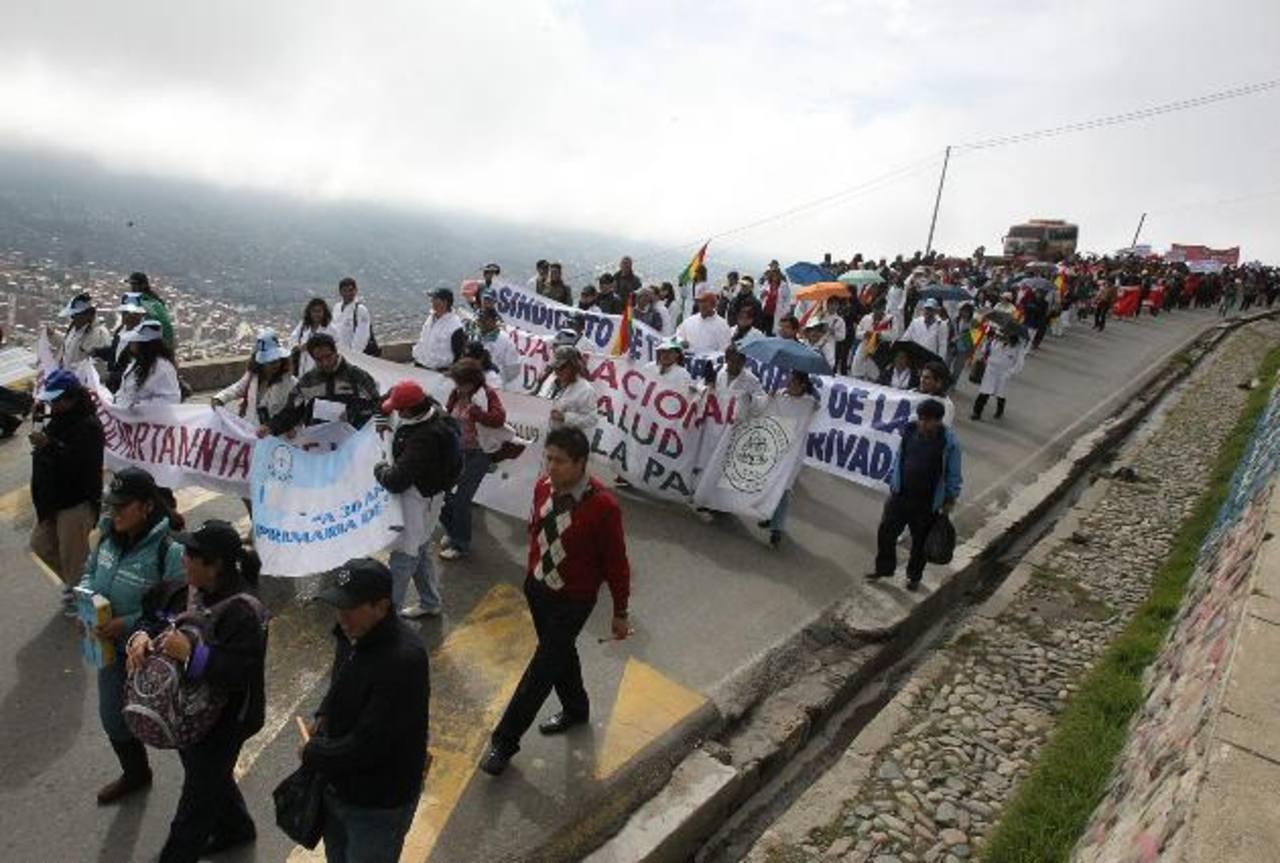 Los sindicalistas han rechazado la acusación de conspiración y han señalado que Morales solo trata de confundir a los sectores movilizados para no atender la demanda. Foto edh / EFE.