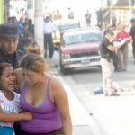 Parientes de las víctimas dijeron que la pareja andaba buscando un alquiler cuando fue ultimada. Foto EDH / Douglas Urquilla