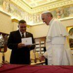Funes durante la audiencia privada con el Sumo Pontífice en Roma. Foto cortesía Casa Presidencial