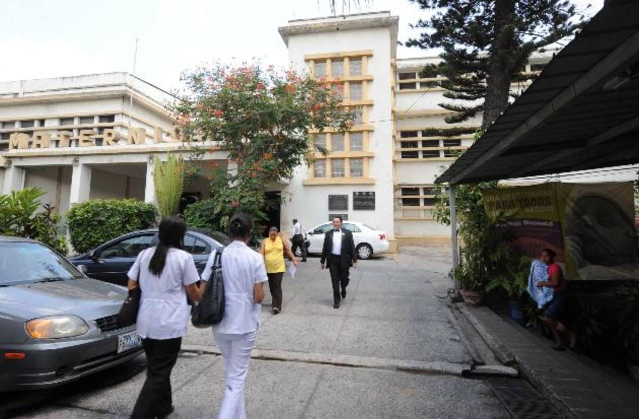 Beatriz, de 22 años, y 23 semanas de gestación, está ingresada en el hospital nacional de Maternidad. Foto EDH /archivo