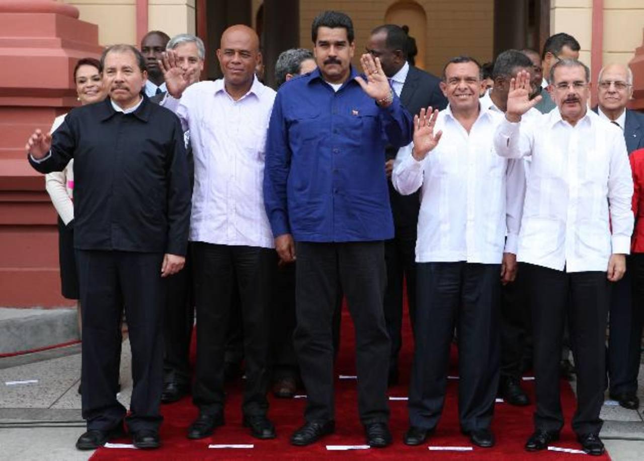 Los gobernantes de Nicaragua, Daniel Ortega; de Haití, Michel Martelly; de Venezuela, Nicolás Maduro; de Honduras, Porfirio Lobo, y de Rep. Dominicana, Danilo Medina.