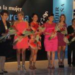Las damas homenajeadas Ildikó Tesak, Kathya Carranza, Sara Hernández, Norma de Rodríguez, Evelyn García y Delmy Guandique durante su gala. Foto EDH / Cortesía